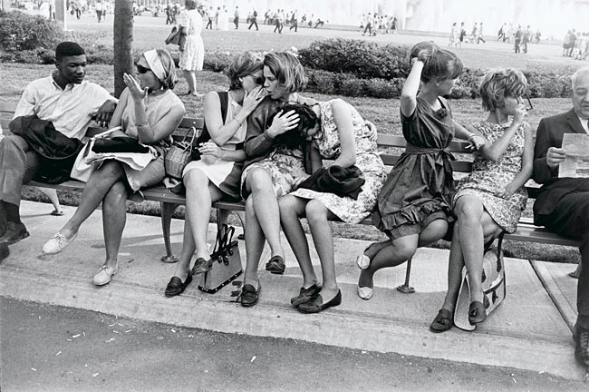 Garry Winogrand - World's Fair New York City, 1964