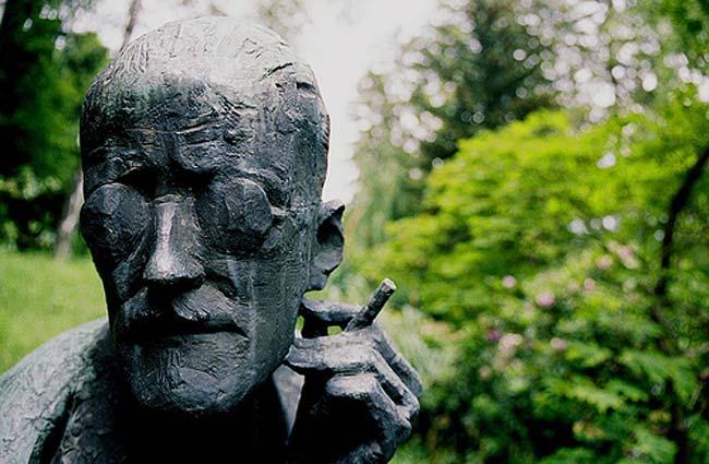 James Joyce grave sculpture