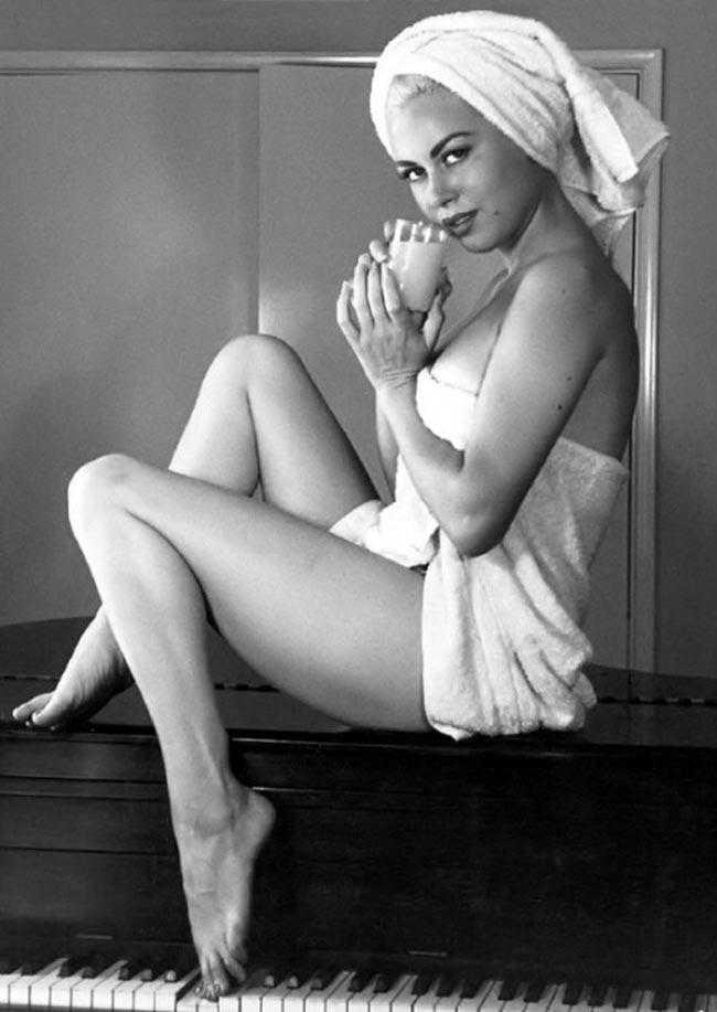 Jeanne Carmen - Miss Orange Whip